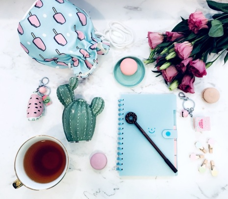 dream about glow life, lifestyle, fashion blog, flowers, office