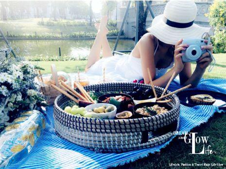 picnic blanket, summer time, fashion blog, lifestyle blog, saigon picnic, vinhomes central park, dream,